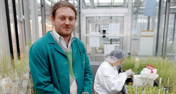 Le biologiste Olivier Voinnet vient d'être suspendu deux ans du CNRS pour fraude scientifique