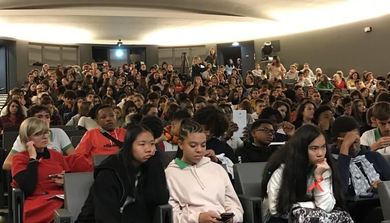 Les auteurs sélectionnés ont défendu leur livre devant les lycéens.