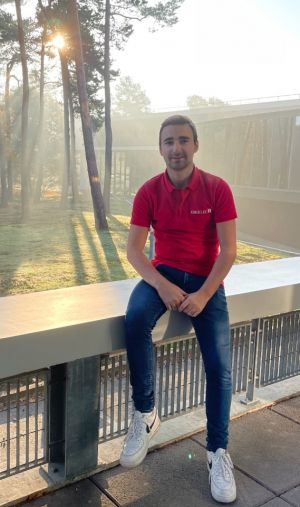 Timothy, élève-ingénieur à l'Esigelec, a monté un projet pour soutenir le commerce local à Rouen.