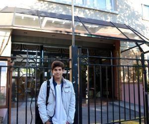 Alessandro fait sa rentrée en seconde au lycée Condorcet de Saint-Maur (94)