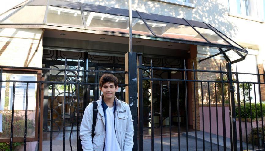 Alessandro fait sa rentrée en seconde au lycée Condorcet de Saint-Maur (94) //©erwin canard