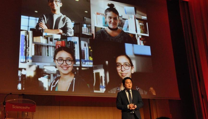 Edward Luu, élève à Sciences po, se rend les samedis dans des lycées pour aider les futurs candidats. //©Sciences po / Thomas Arrivé