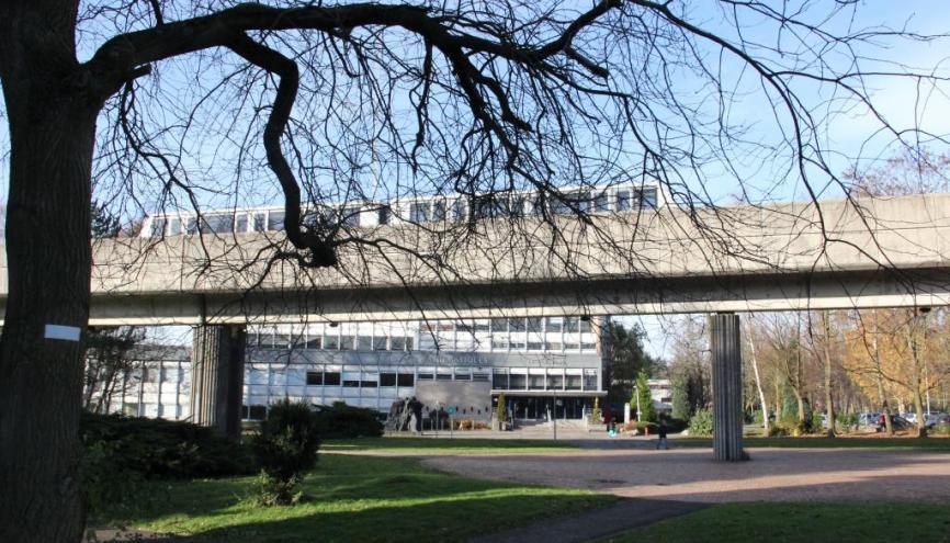 L'université de Lille 1 regroupe plusieurs écoles d'ingénieurs, des résidences universitaires, des restaurants universitaires, des équipements sportifs et des espaces verts. //©Mathieu Oui