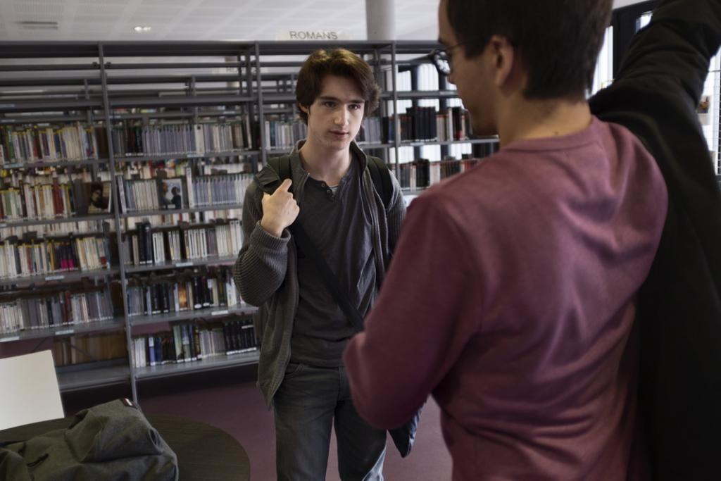 Michel a une passion pour les sciences et les mathématiques. Son rêve : être chercheur. Michel ne supporte pas le bruit ni la foule. Il travaille souvent à la bibliothèque. //©Meyer/Tendance floue pour l'Etudiant