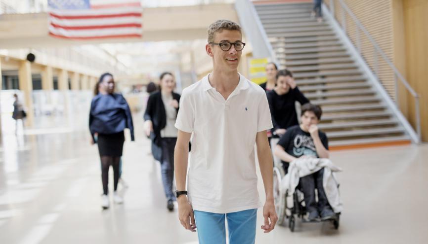 Henry, 17 ans, est en classe intermédiaire du bac professionnel gestion-administration au lycée Nelson-Mandela, à Nantes (44). //©Théophile Trossat pour l'Etudiant