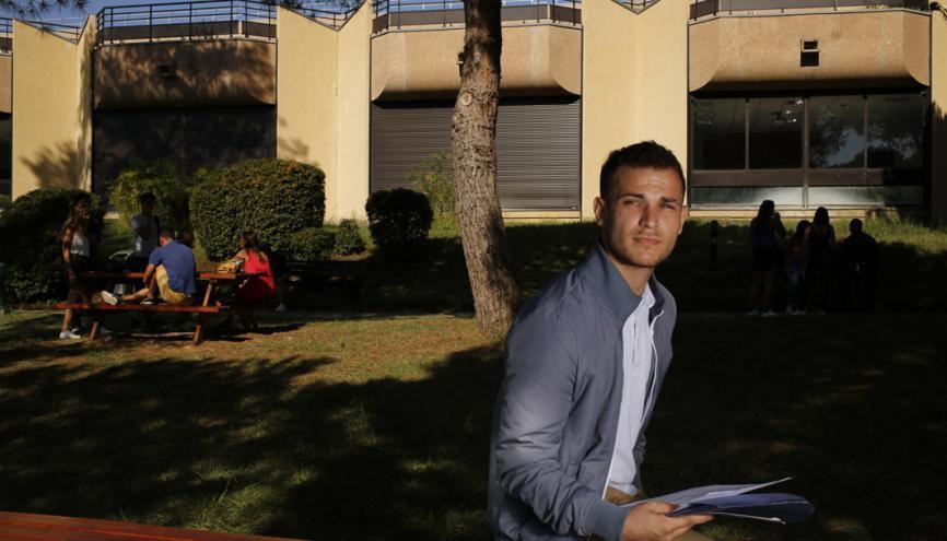 Enzo, en deuxième année de Bachelor (BBA in Global Management), à Skema Sophia-Antipolis. //©Laurent Carré pour l'Etudiant