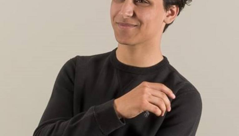 Pour la rentrée 2019, Mehdi a décidé de repousser son entrée à la fac. Il envisage de partir à l'étranger.