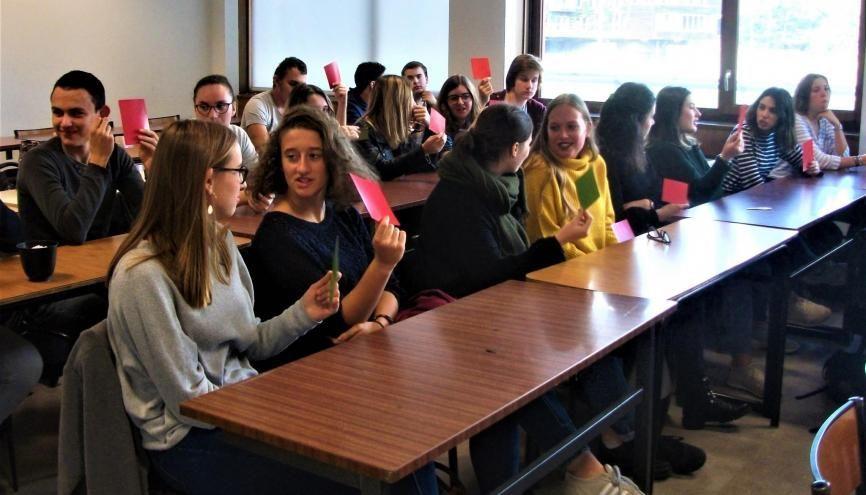 Les lycéens de la région de Bordeaux découvrent les cours de l'université. //©Pauline Bluteau