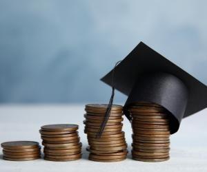 Plusieurs bourses existent pour vous aider à faire baisser la note des frais d'inscription de l'école de votre choix.
