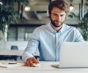 Pour trouver un emploi, un panel assez large de dispositifs existe pour vous aider à trouver un emploi (réseaux sociaux, associations, alumnis...)