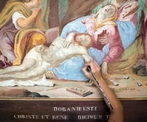 Restaurer les œuvres d'art est un des débouchés possibles dans le secteur du patrimoine.