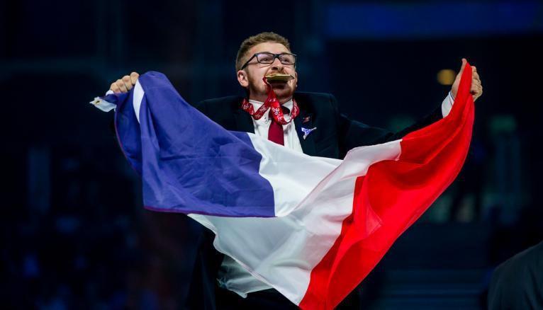 L'équipe de France des métiers a remporté trois médailles d'or aux EuroSkills 2018, dont une en mécanique véhicule industriel (Nicolas Doron).