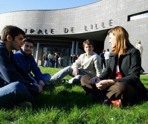 En 2015, 21 % des élèves de Centrale Lille ont été double-diplômés.