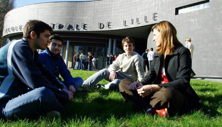 En 2015, 21 % des élèves de Centrale Lille ont été double-diplômés. //©Centrale Lille