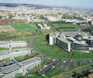 L'IFMA, installée sur le campus des Cézeaux à Clermont-Ferrand, a fusionné le 1er janvier 2016 avec sa voisine, l'École nationale supérieure de chimie (ENSCCF).