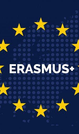 Le programme Erasmus + est né, en 2014, de la fusion des différents programmes d'échanges européens.