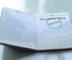 Pour toute demande de visa, vous devez contacter le consulat du pays concerné.