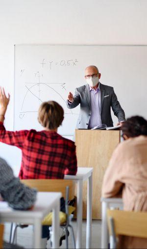 Une partie des étudiants pourront retrouver leur salle de classe en janvier.