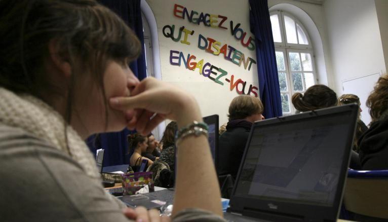 Pour réviser le français, les écrans peuvent vous aider.