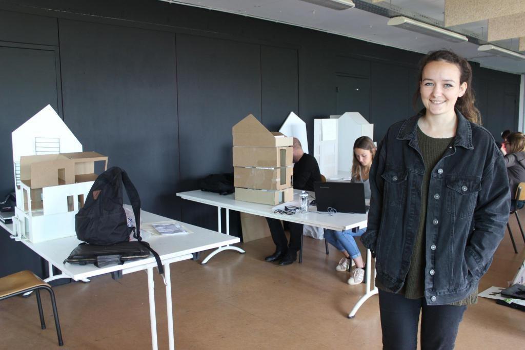 Les étudiants de l'ESA Saint-Luc Bruxelles disposent d'une grande salle pour mettre en œuvre les maquettes de leurs projets. //©Delphine Dauvergne