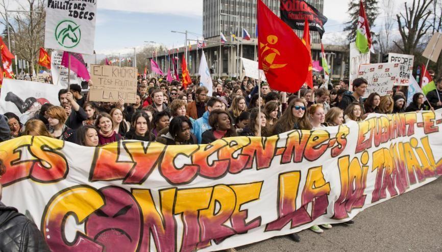 Manifestation a Grenoble dans le cadre de la Journee de mobilisation contre l'avant projet de loi El Khomri. //©Francois HENRY/REA