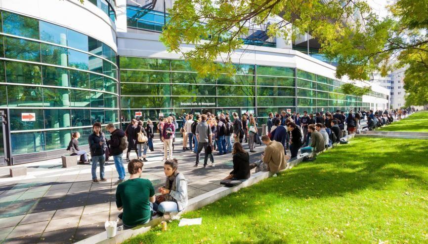Près de la moitié des étudiants de Grenoble École de management viennent de l'étranger. //©Pierre Jayet / Prisme / EM Grenoble