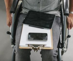 Des salons virtuels au parrainage, les jeunes diplômés en situation de handicap peuvent être aidés pour accéder plus facilement à l'emploi.
