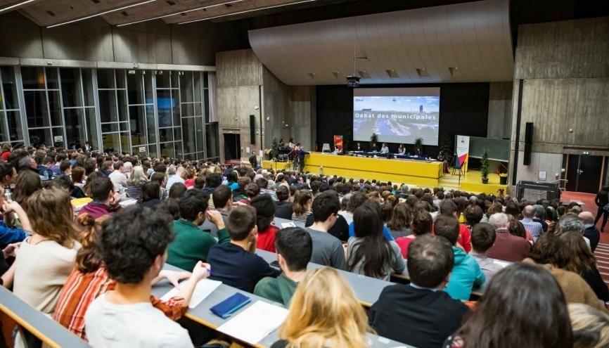 Plus de 600 étudiants se sont réunis à l'université de Nantes pour participer au débat en vue des élections municipales. //©Vincent Fourdin