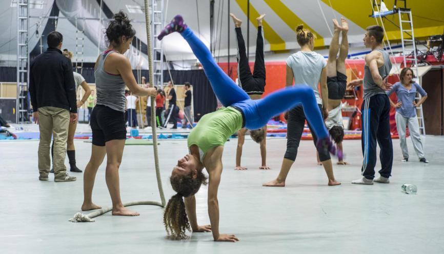 La formation des acrobates à l'ENACR est un long travail quotidien, à la fois physique et artistique. //©Myr Muratet pour l'Étudiant