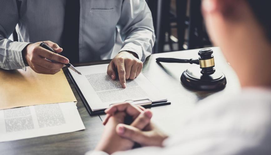 Dans quelques cas, un recours juridique contre un refus sur Parcoursup est possible. //©Adobe Stock/Freedomz