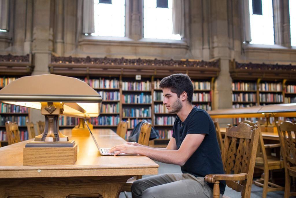 Les infrastructures de l'université sont spacieuses et permettent d'étudier dans un cadre privilégié.  //©Annabel Clark/REA pour l'Etudiant