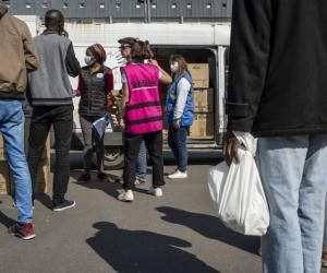 Sur le campus de Paris 8, à Saint-Denis, de nombreux étudiants étrangers bénéficient de la distribution de paniers alimentaires.