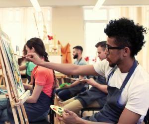 Depuis plus de dix ans, la Fondation culture et diversité aide les élèves boursiers à intégrer les formations d'art.