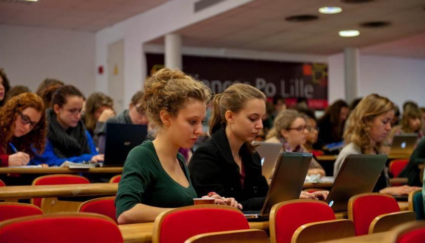 Sciences po Lille cherche à faire correspondre ses enseignements avec les grands enjeux contemporains. //©Cyril Entzmann/Divergence pour l'Etudiant