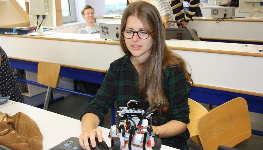 L'ESIEA organise un concours de robotique pour améliorer l'intégration des nouveaux étudiants. //©ESIEA