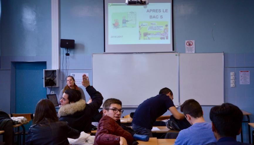 Les élèves de TS1 interrogent la conseillère d'orientation. //©erwin canard
