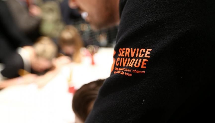 emploi   comment faire de votre service civique une ligne