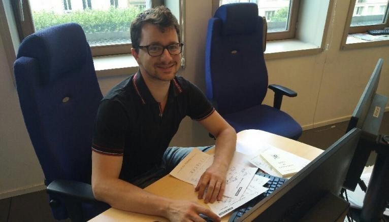 François Jobard, 32 ans, est un des visages qui se cachent derrière les bulletins météo fournie par Météo France.