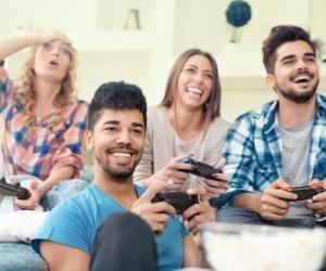 Que ce soit en solo ou avec des amis, jouer aux jeux vidéo peut être un atout pour rechercher un emploi.
