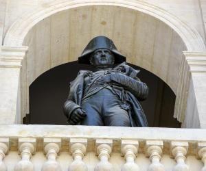 """Pour Claude Lelièvre, Napoléon Bonaparte a créé le bac pour """"solidifier le recrutement à l'université, réservoir des cadres scientifiques, administratifs et militaires""""."""