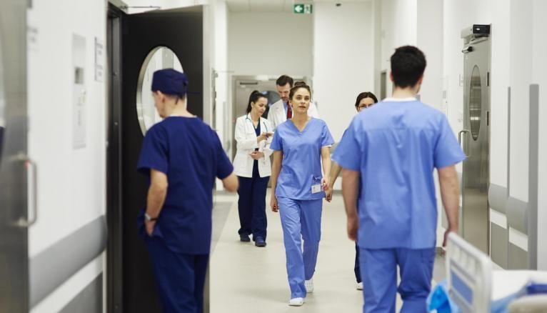 Les futurs infirmiers s'inquiètent pour l'avenir de leur profession.