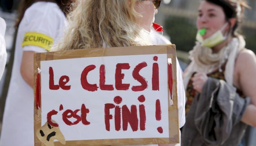 Les étudiants et professionnels de santé en marche contre le Clesi/ESEM (ici, une manifestation en 2014). //©LANIER/REA
