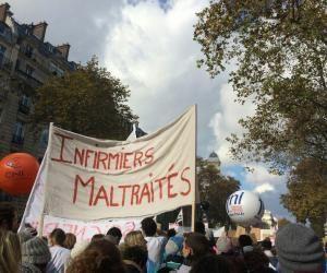 Les infirmiers manifestent à Paris, mardi 8 novembre 2016.