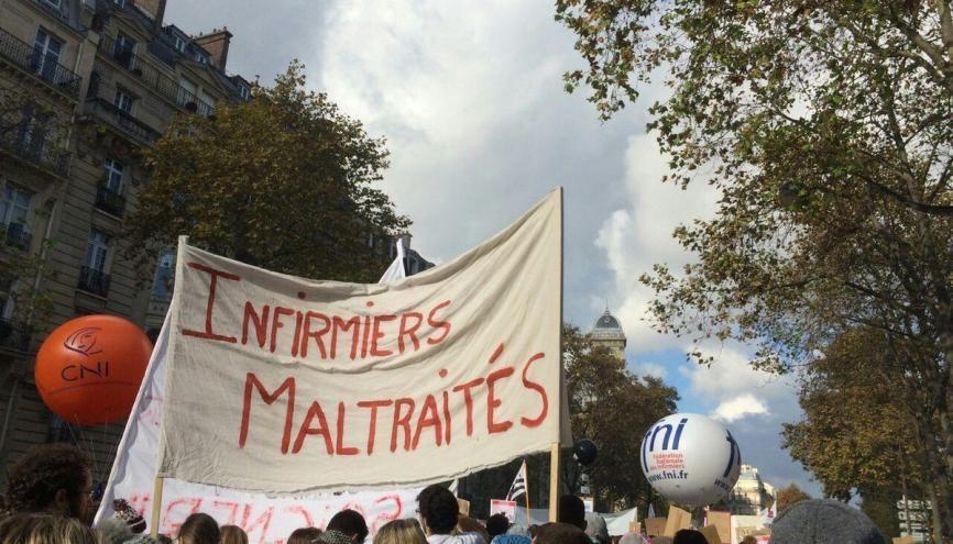 Les infirmiers manifestent à Paris, mardi 8 novembre 2016. //©Claire et Sélyne
