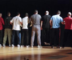 """Ombre et Lumière"""", documentaire belge sur un atelier théâtre pour jeunes prisonniers, en compétition au 9e Festival du Film d'Éducation d'Évreux, du 3 au 7 décembre 2013."""
