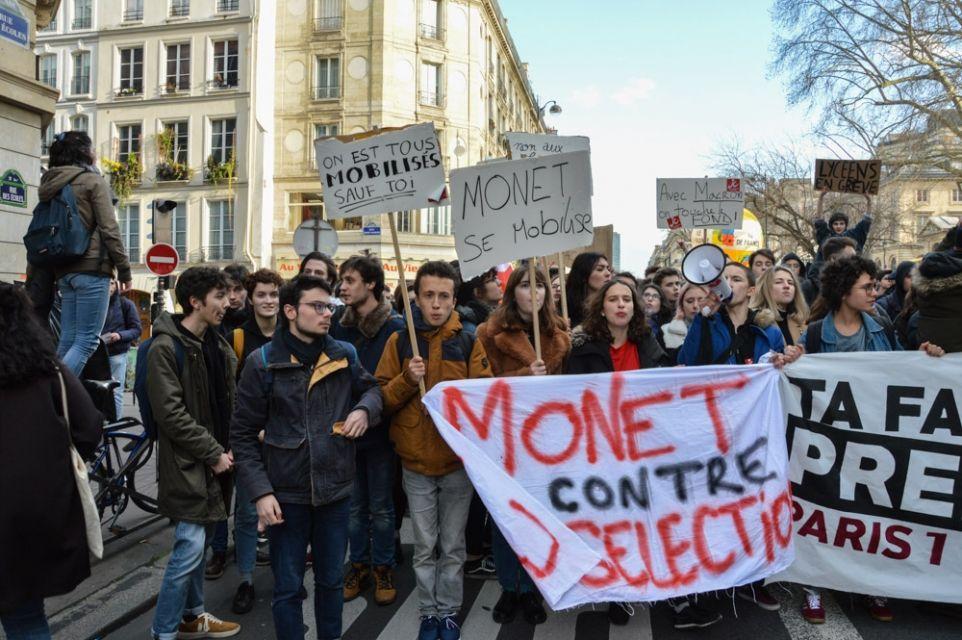 Des élèves du lycée Claude-Monet, à Paris (13e arrondissement) //©erwin canard