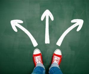Université ou école spécialisée, Bachelor ou licence, formation généraliste ou professionnalisante?