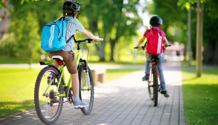 Le programme vise notamment à encourager l'utilisation de modes de transport plus écologiques comme le vélo.