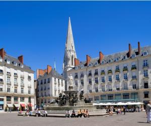 Nantes et sa douceur de vivre... la place royale en majesté.