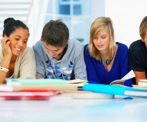 En participant à un journal, on peut partager ses goûts ou donner son avis sur des sujets qui touchent au collège.